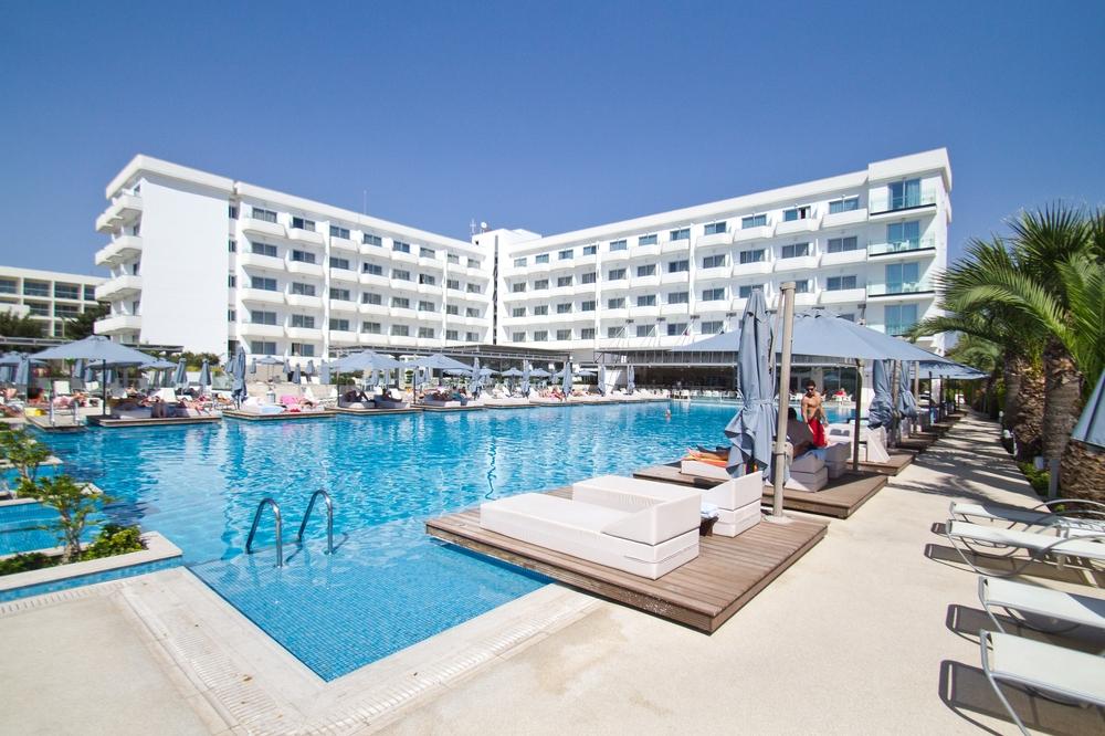 Nestor Hotel Agia Napa Aussenansicht vom Pool